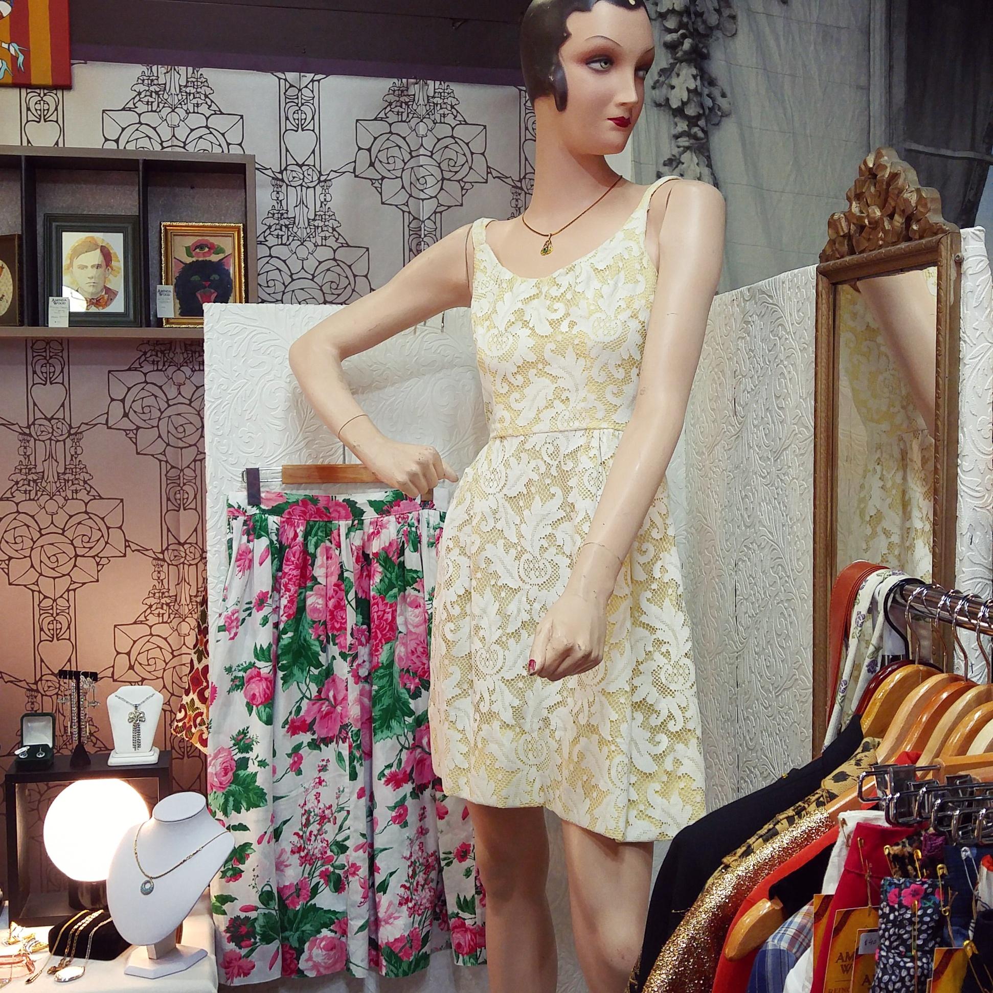 Aminda-Wood-Vintage-Clothing-Spring.jpg