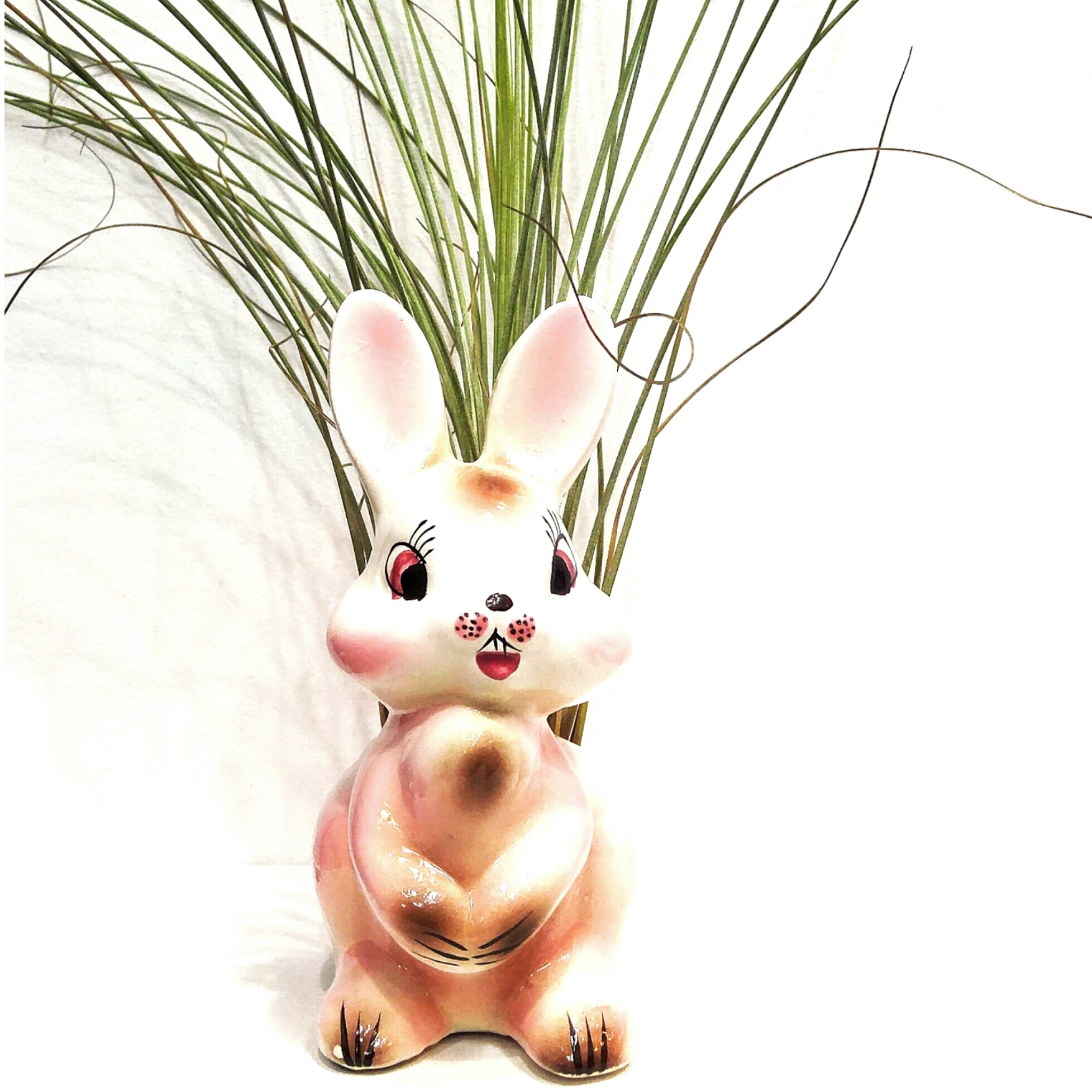 Japanese bunny planter