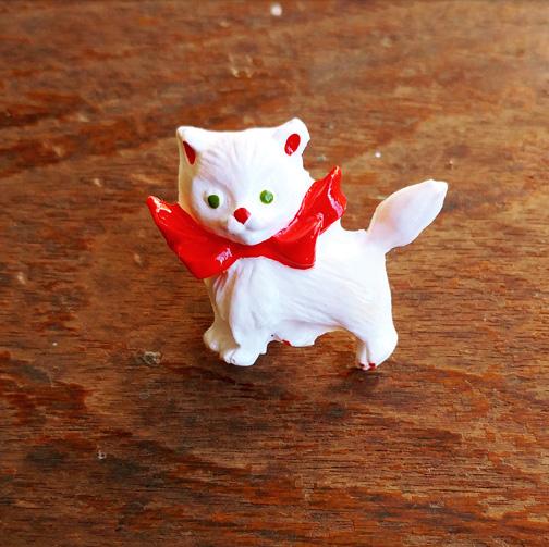 kittybrooch.jpg