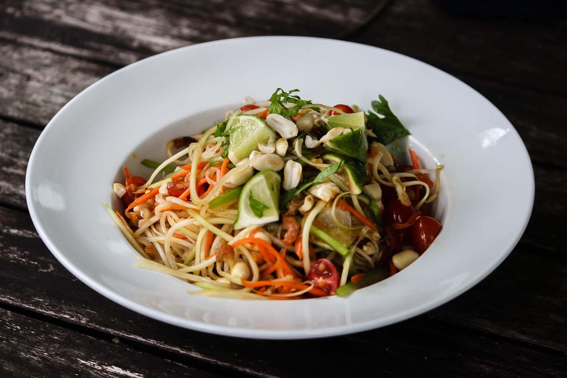 Som Tam Thai (Central Thai-Style Papaya Salad)