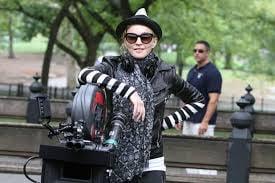madonna directing2.jpg