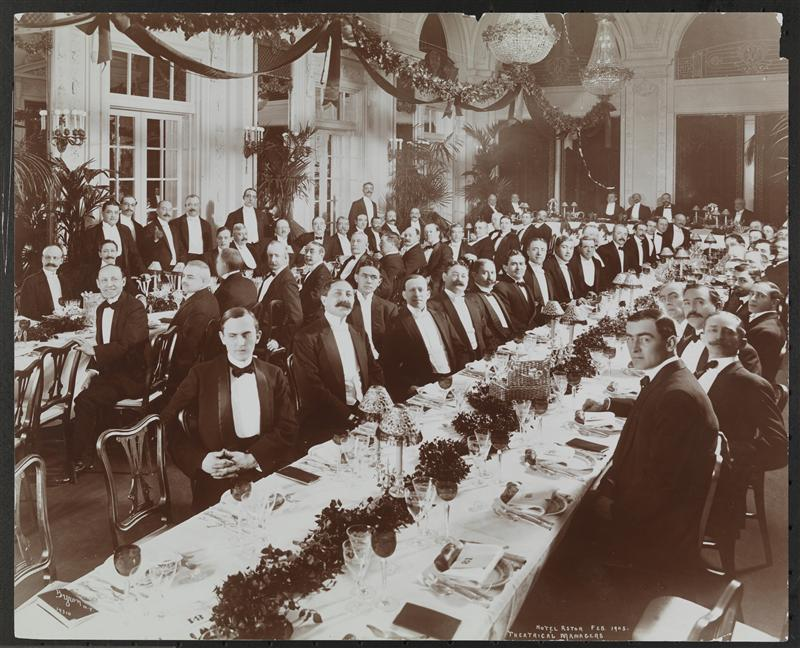 Men at a dinner for theatrical managers in large banquet room at the Hotel Astor.   Feb. 1905.   Byron Company.   Museum of the City of New York 93.1.1.3623