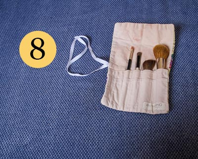 Make-up brush roll
