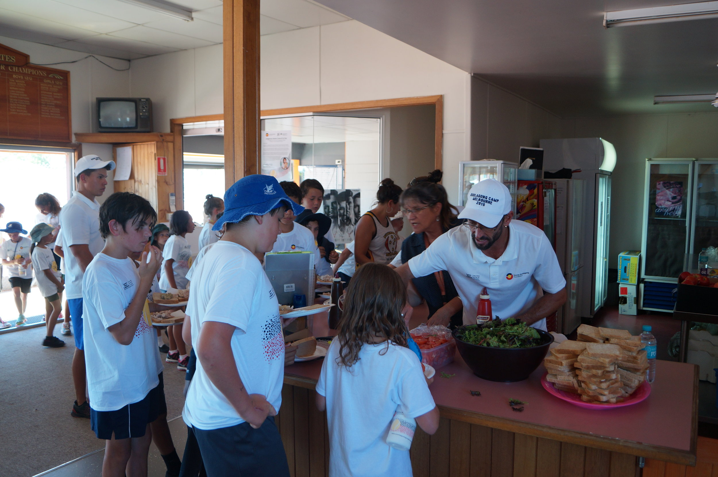 Its time for a healthy lunch in Bairnsdale - wholemeal bread, chicken and lots of salad and fruit!