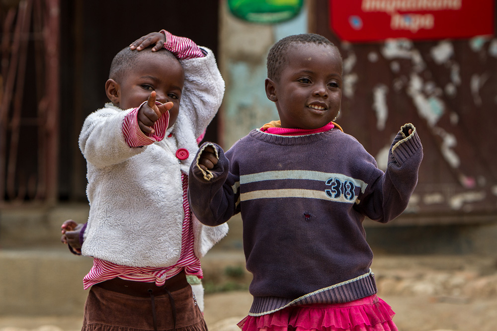 Adam-Dickens-Photography---FT-Tanzania-2014--Mafinga-Branch-Office-Opening-1364.jpg