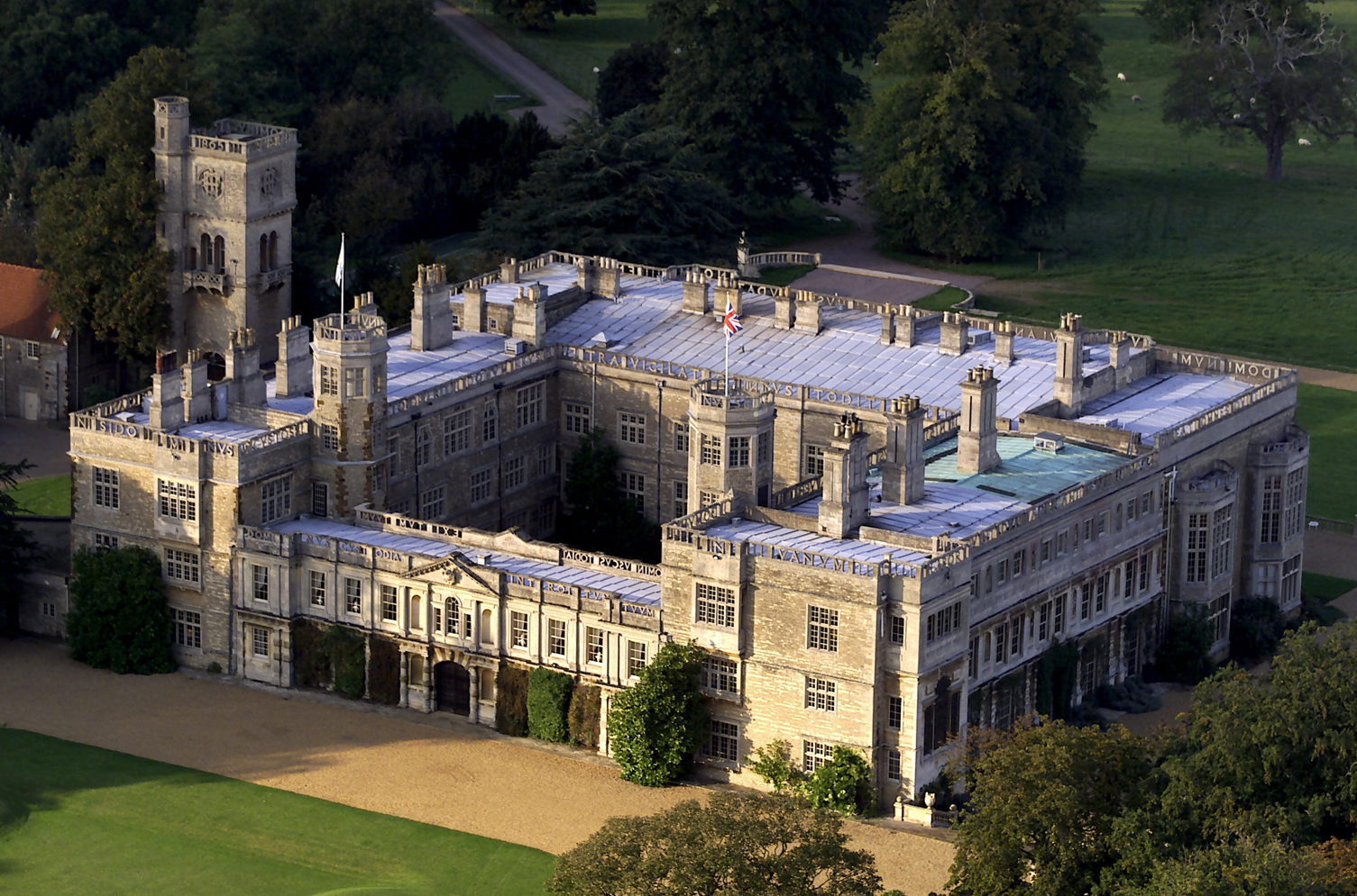 Aerial photograph of Castle Ashby House_Original_886.jpg