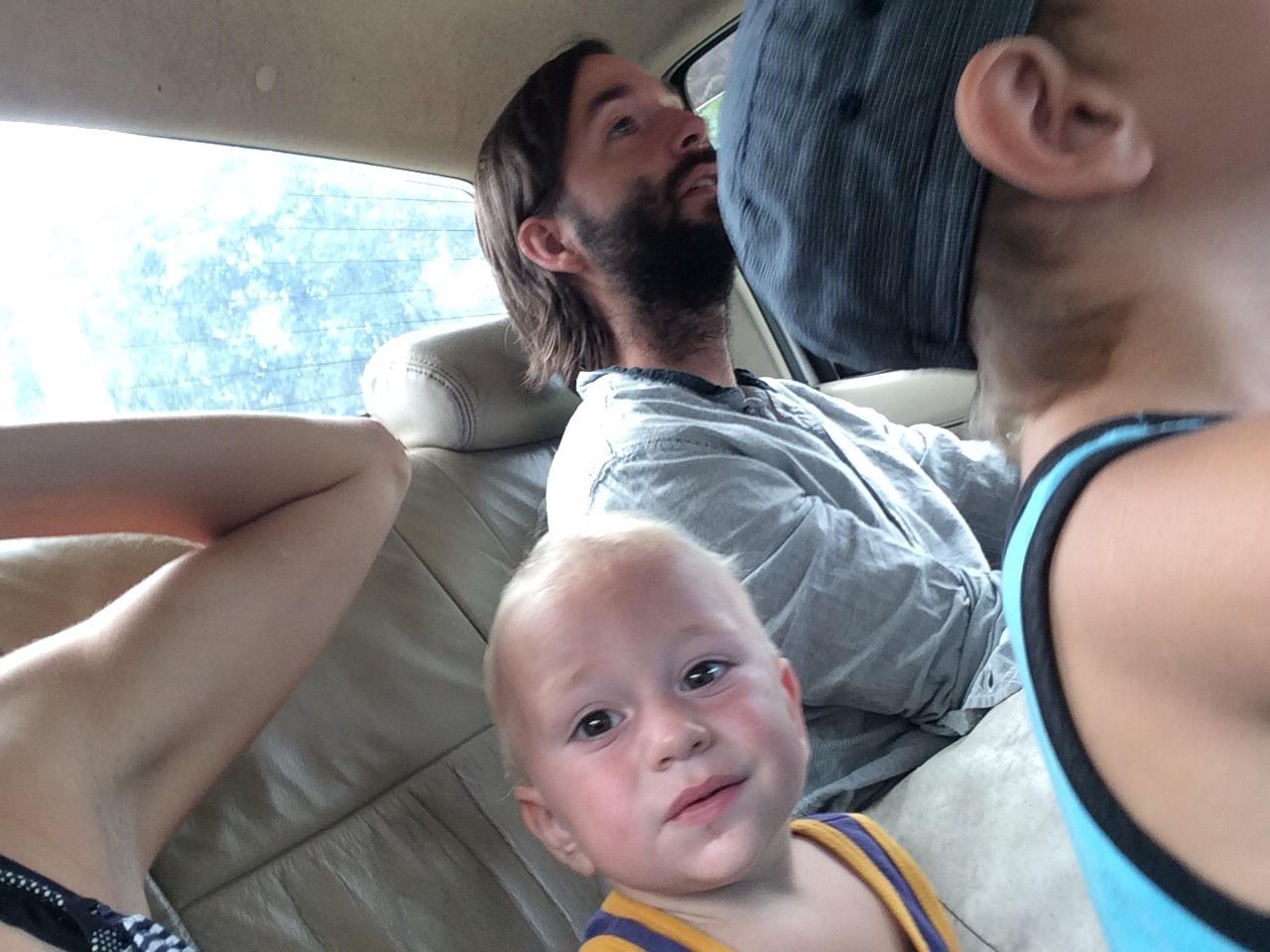 Wir alle 4 im Taxi