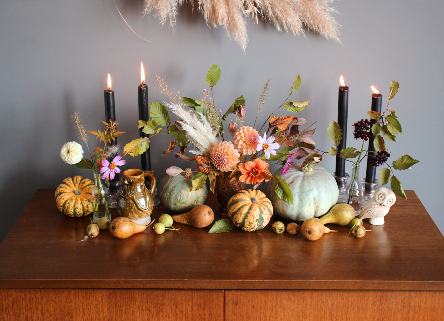 sideboard-hallway-halloween-display-ideas-natural-floral-styling-nancy-straughan.jpg