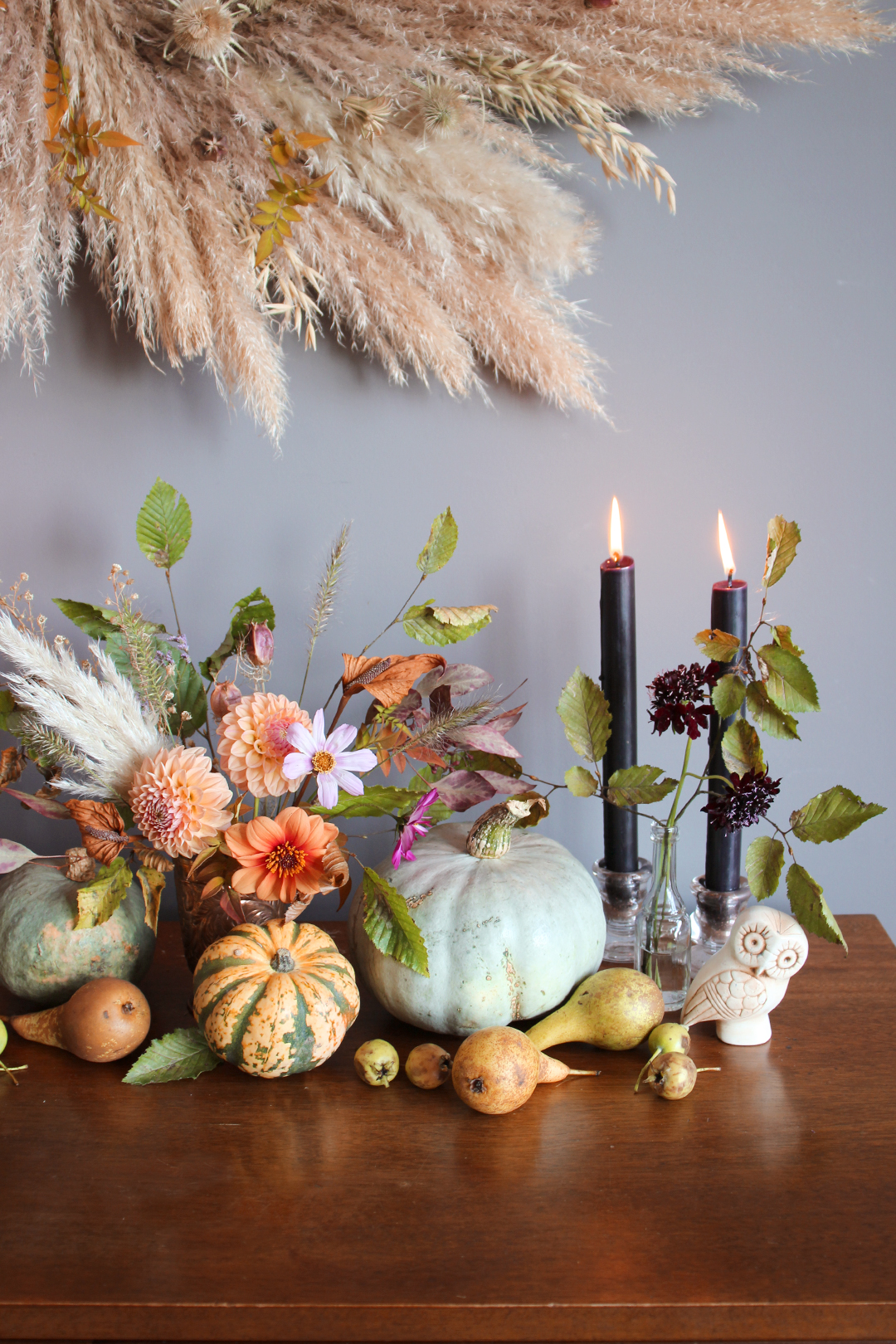 moody-natural-floral-display-halloween-fall-autuman-nancy-straughan.jpg