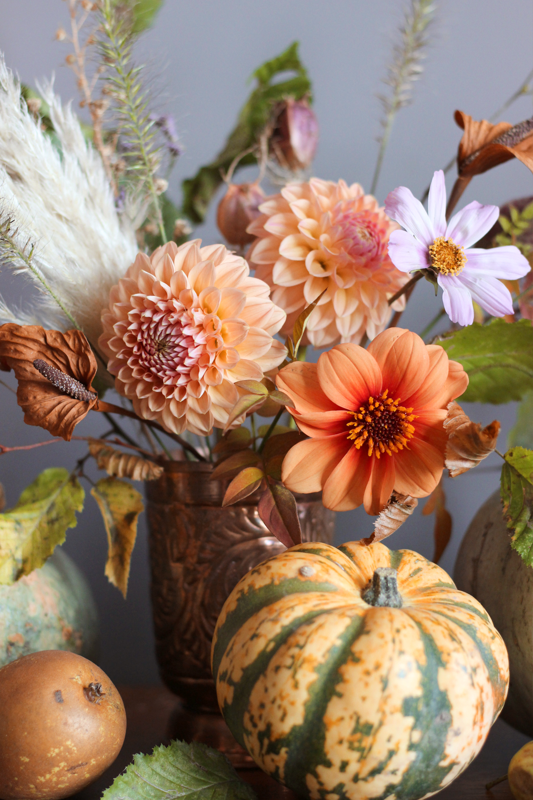 dahlias-floral-styling-fall-autumn-arrangement-ancy-straughan.jpg