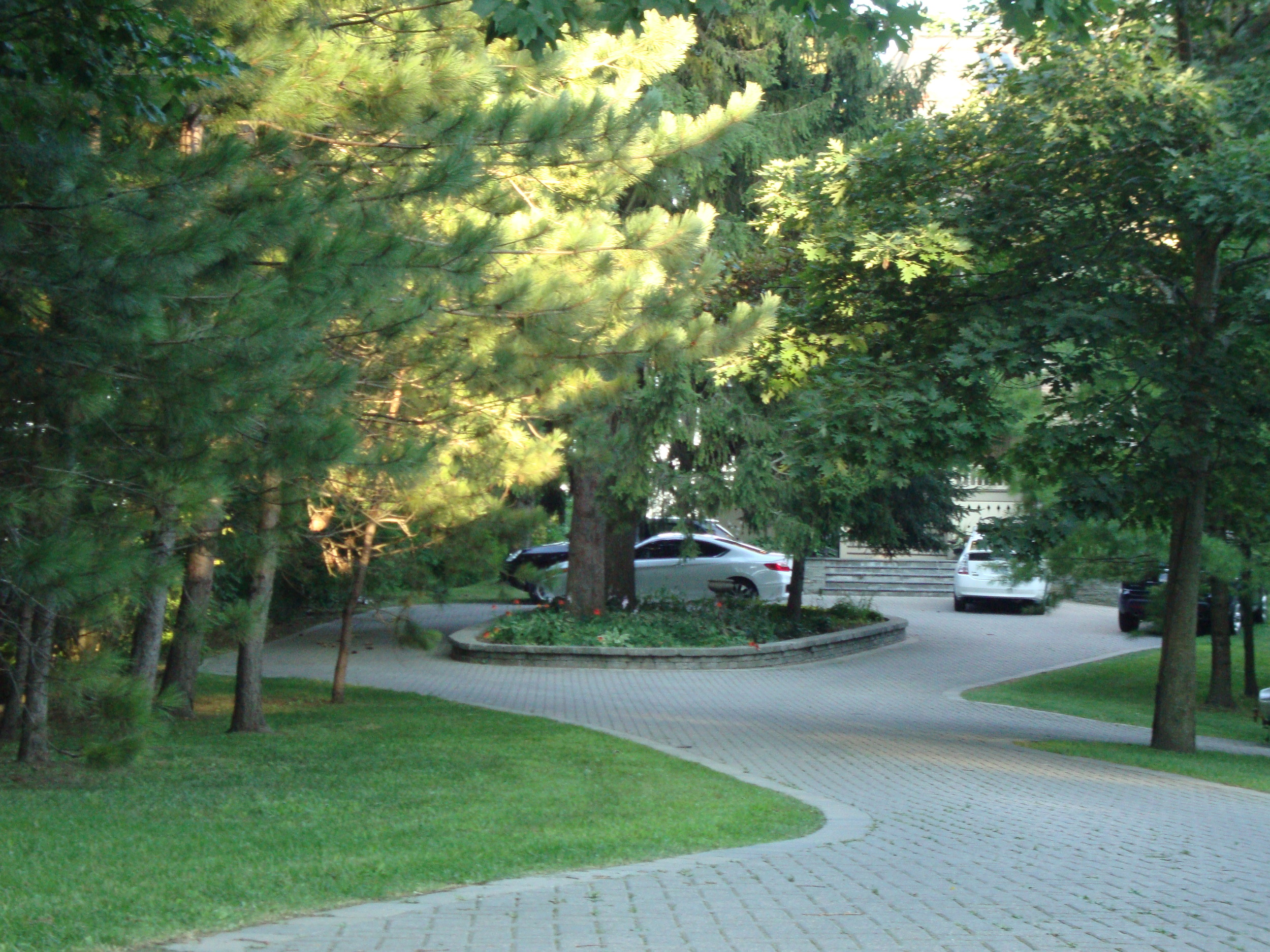 Paving Stone Driveway | Brockville | Riverview Design Solutions | Landscaping
