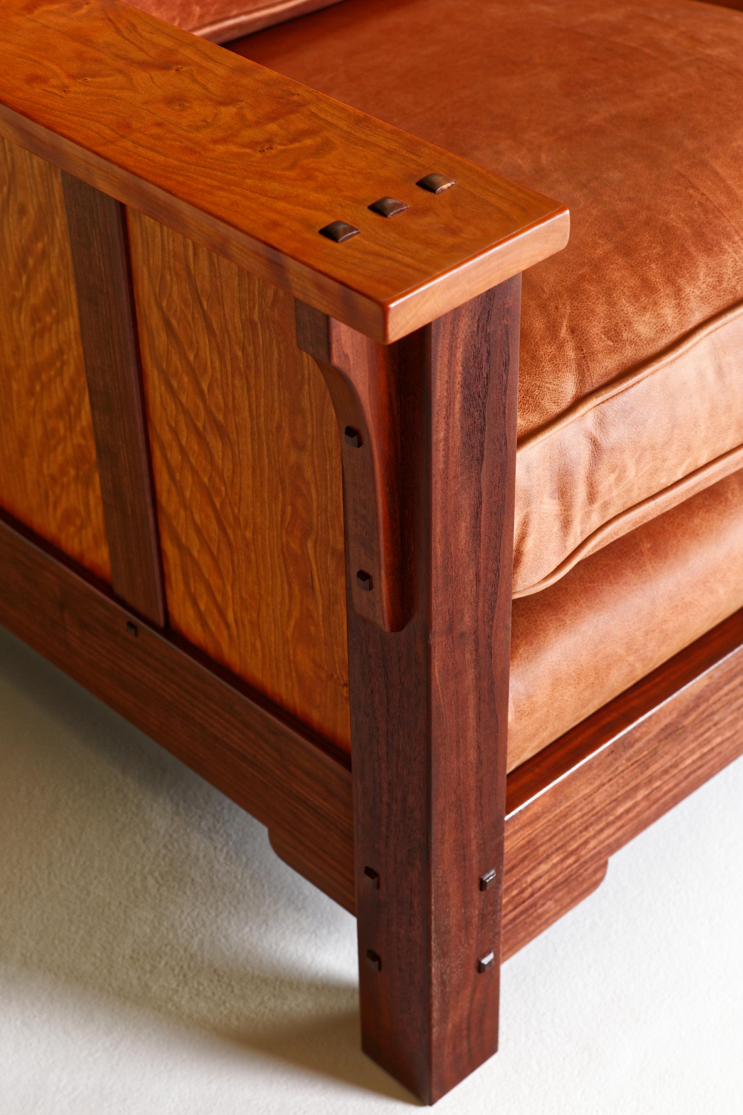 Front Leg Detail 4.jpg