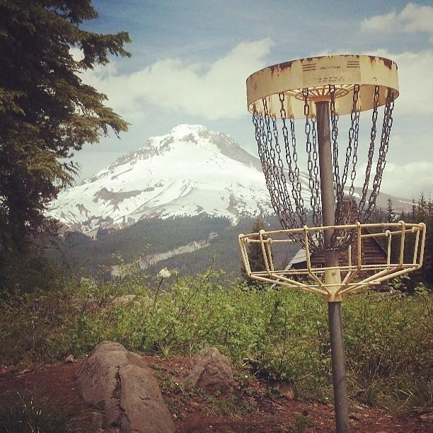 skibowl_discgolfbasket.jpg