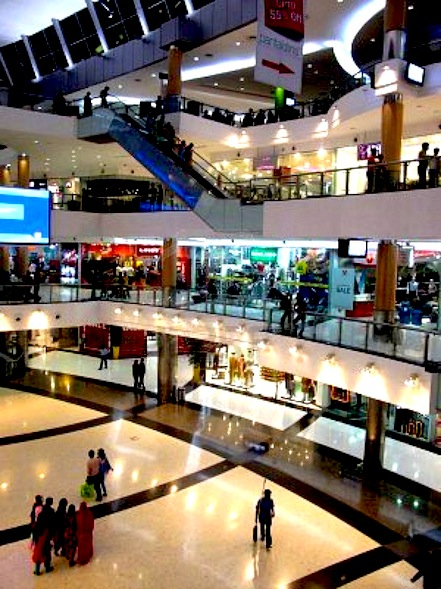 10581049-kolkata-india--january-28-south-city-mall-is-an-enclosed-urban-food-court-shopping-mall-and-office-b