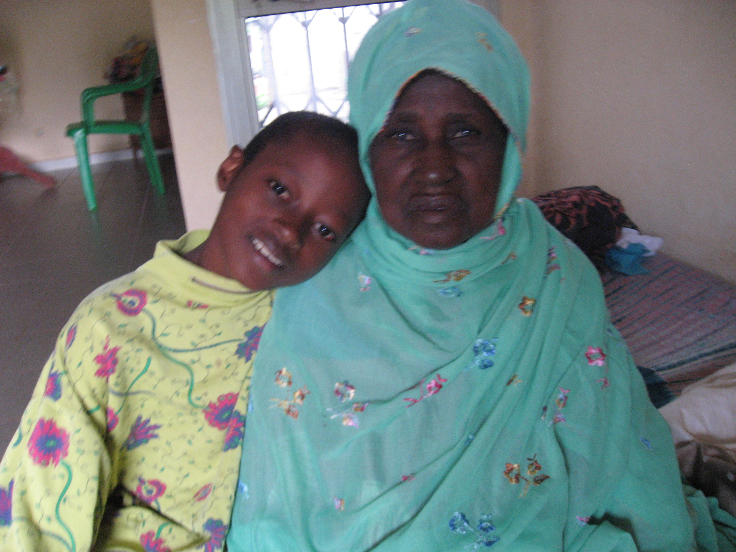 Asmaou son and mom