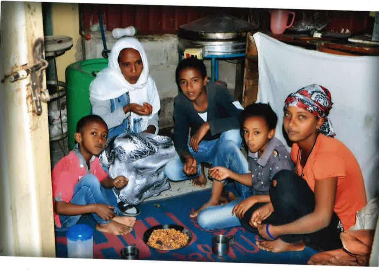 Eskinder, a refugee to the US, has been separated from his wife Meaza and four children - Lia, Medhanie, Mudayeefret and Meargh - for over a decade. Hello Vuelo is raising funds to reunite the family.
