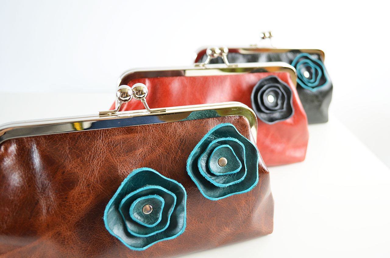 Design your own bag! Choose your leather colors & flower edging color.