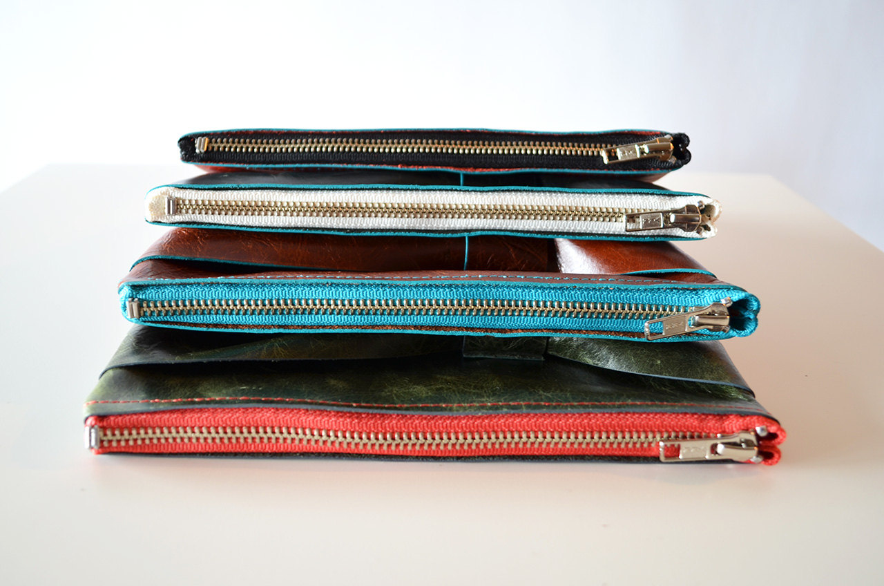 Zipper options: black, brown, white, teal & coral