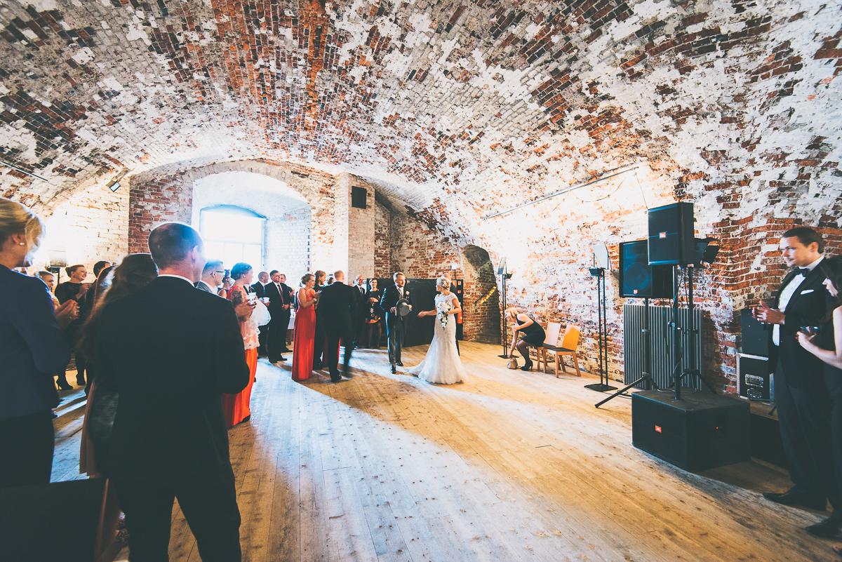 hääkuvaaja_helsinki_suomenlinna_js_disain_jere_satamo_wedding-photographer-finland-20.jpg