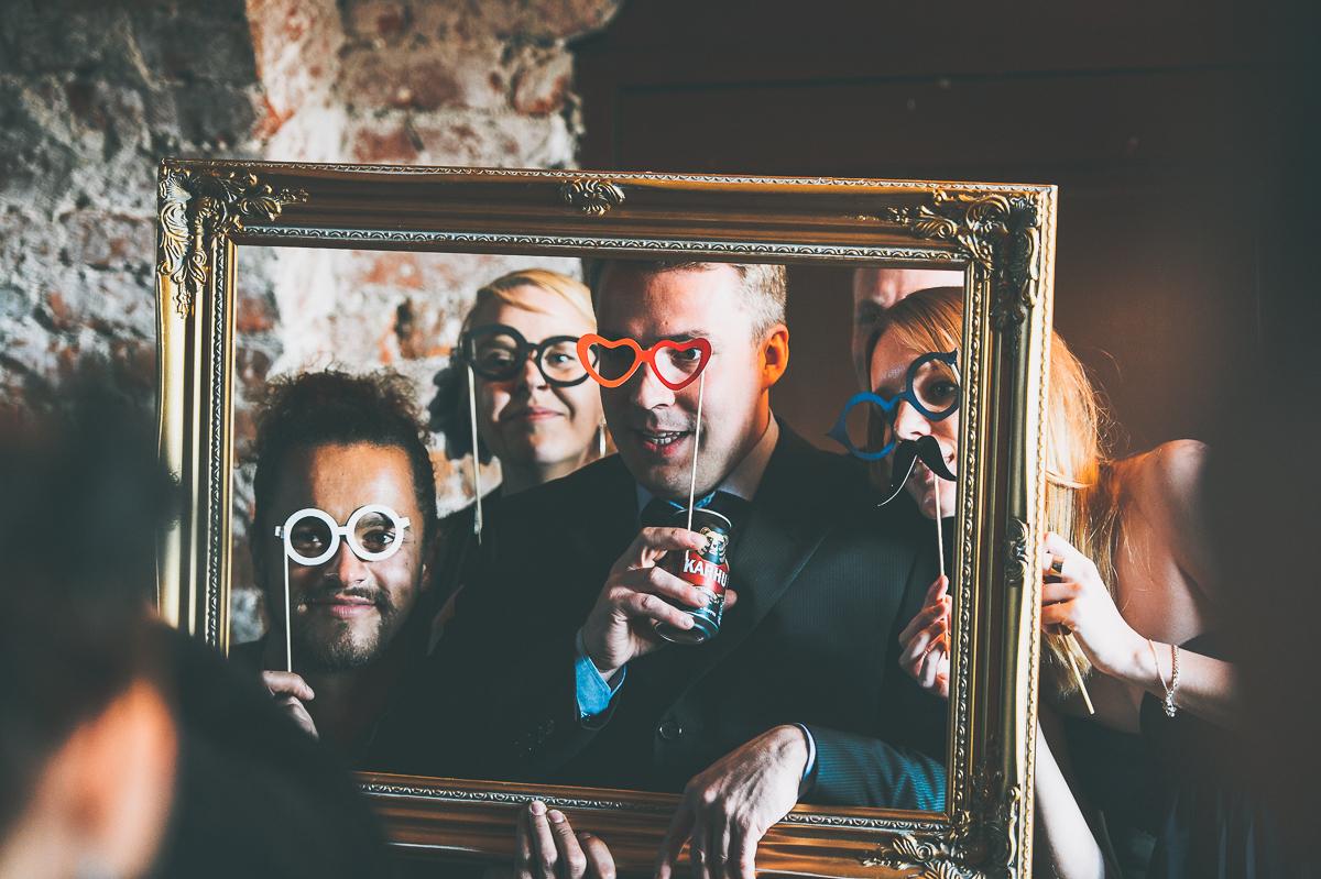hääkuvaaja_helsinki_suomenlinna_js_disain_jere_satamo_wedding-photographer-finland-41.jpg