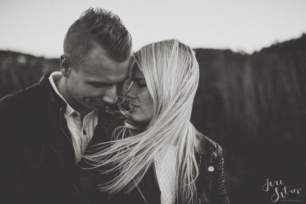 kihlakuvaus-turku_jere-satamo_valokuvaaja-wedding-photographer-030.jpg