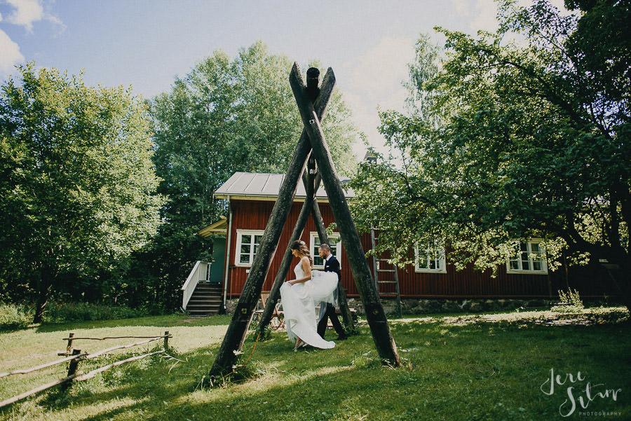 jere-satamo_valokuvaaja-turku_wedding-photographer-finland-mathildedal-valimo-034.jpg