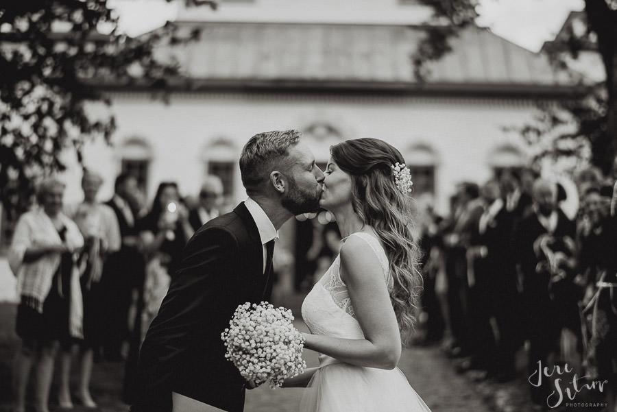 jere-satamo_valokuvaaja-turku_wedding-photographer-finland-mathildedal-valimo-077.jpg