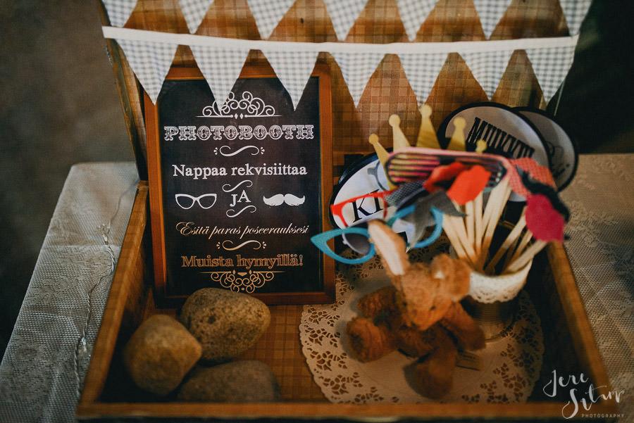 jere-satamo_valokuvaaja-turku_wedding-photographer-finland-mathildedal-valimo-083.jpg