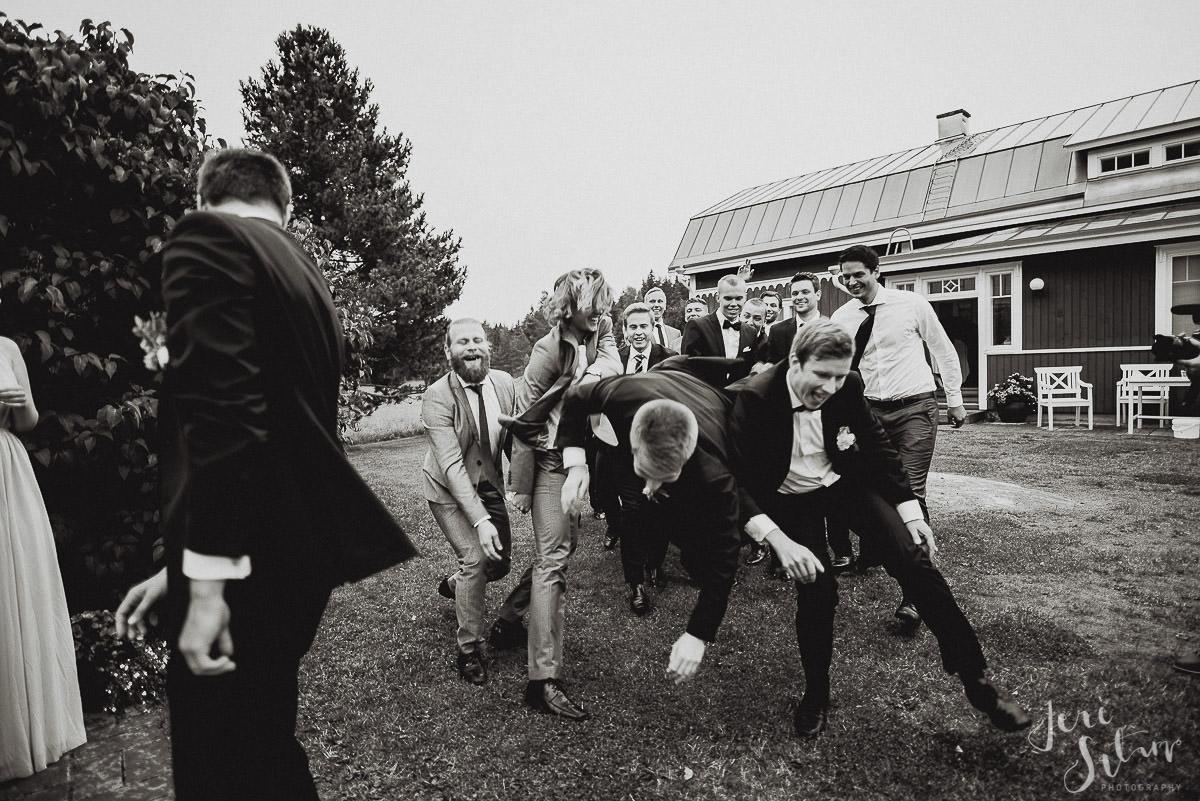 jere-satamo_valokuvaaja-turku-helsinki-wedding-photographer-077.jpg