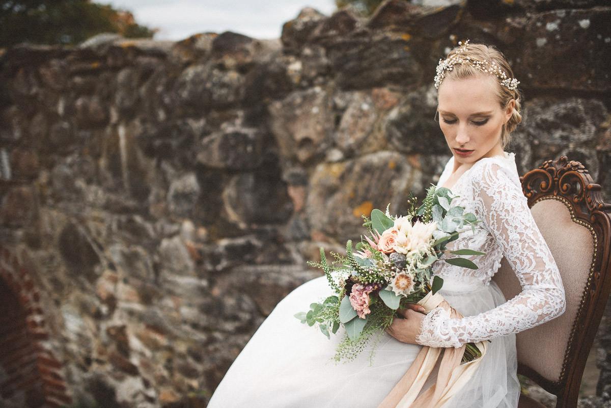 jere-satamo-valokuvaaja-turku-wedding-photographer_styled-020-print.jpg