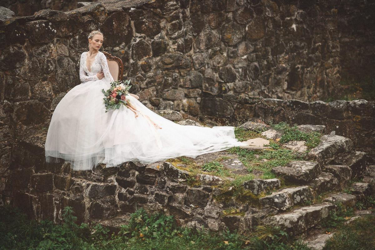 jere-satamo-valokuvaaja-turku-wedding-photographer_styled-019-print.jpg