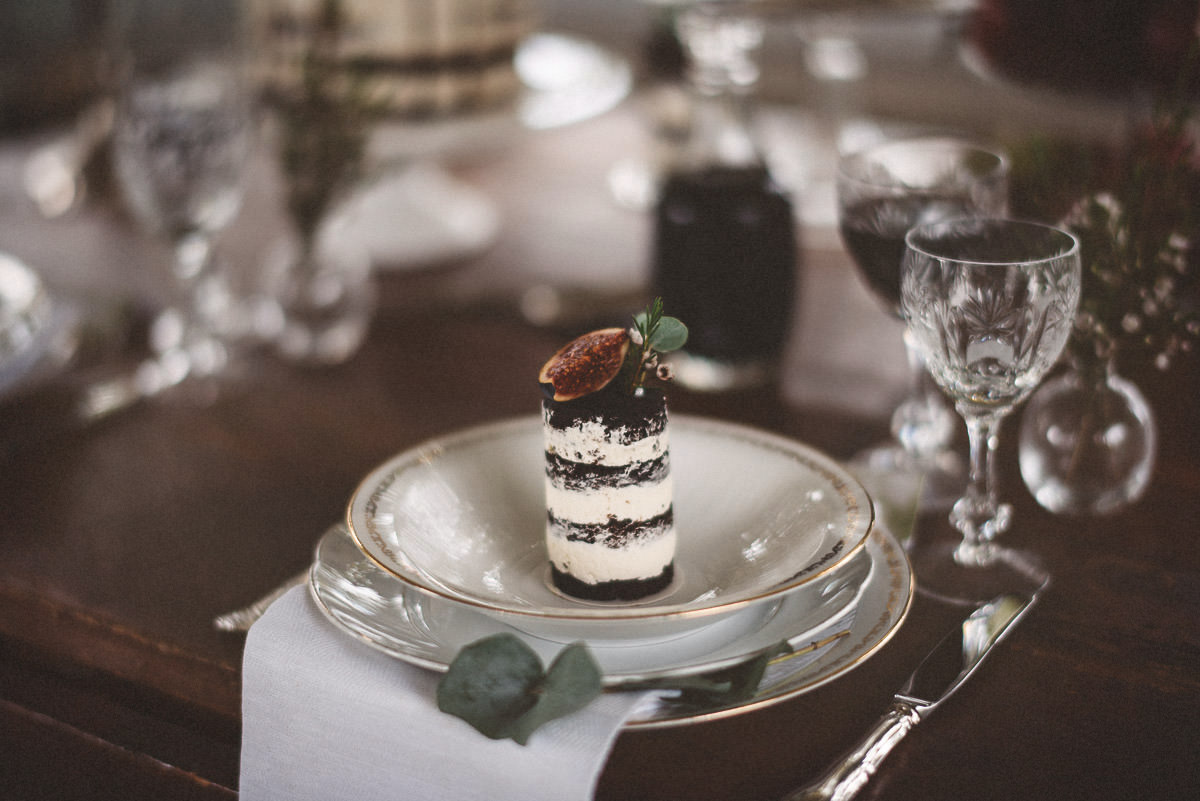 jere-satamo-valokuvaaja-turku-wedding-photographer_styled-077-print.jpg