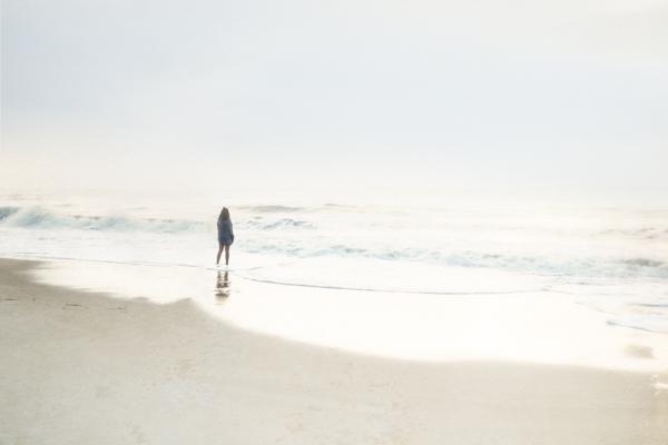 2015Jun30 - 08Girl Staring At Waves.jpg