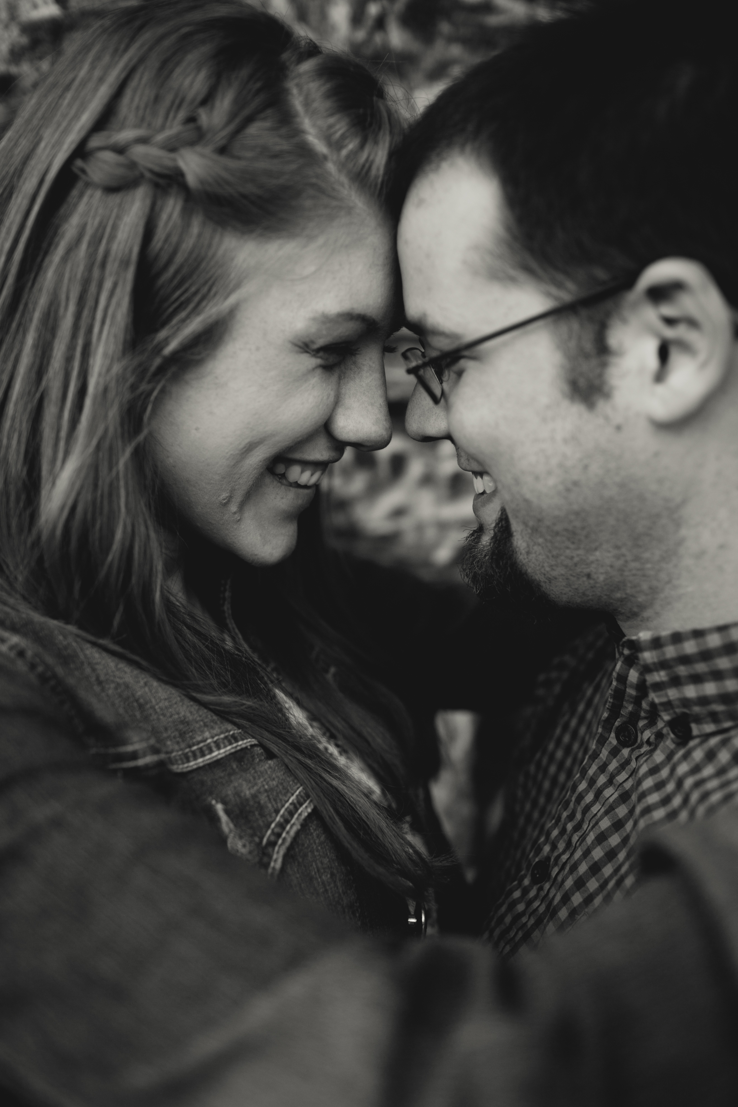 Leah + JJ -- Mankato Engagement Photographer-125.jpg