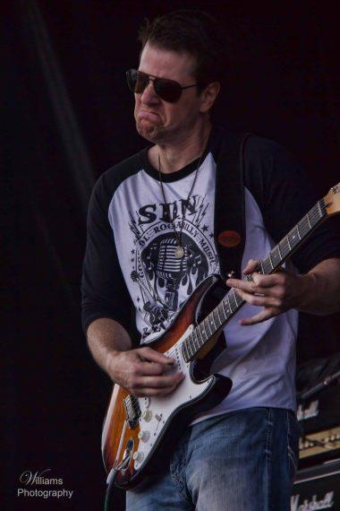 Gary-live-at-Canada-Day-380x570[1].jpg