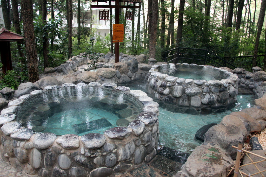 There were also many regular size hot spring pools to relax in, varying in size from a cozy pool for two like these to ones big enough for a dozen or more people