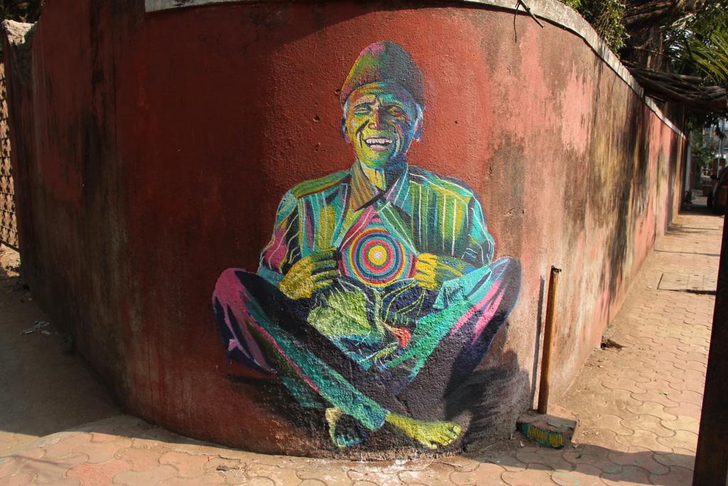 Painted mural in Bandra, a neighborhood in Mumbai