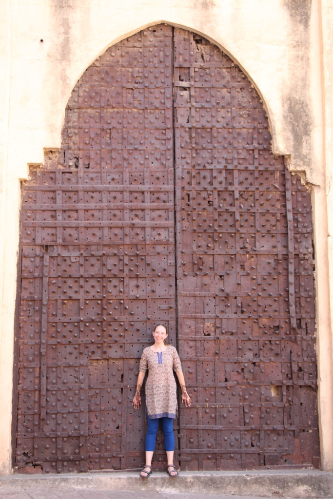 Showing off my henna and sweet new Indian wardrobe inside Jodhpur Fort. The outside of the fort looked straight out of Harry Potter in some sections.