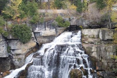 Inglis Falls  (photos by Dee Renaud)
