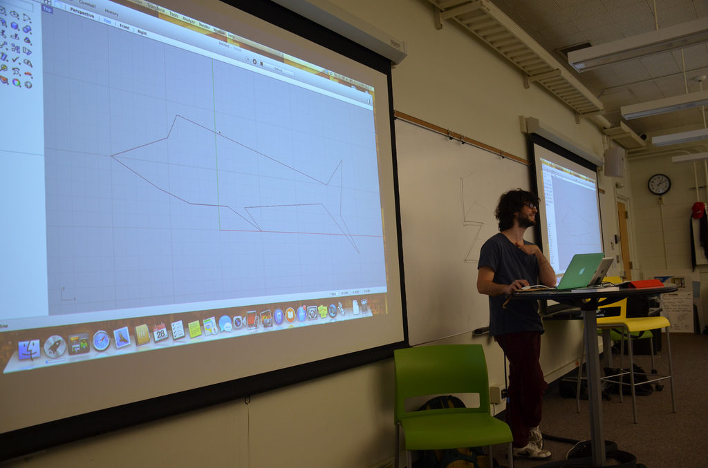 Studio workshop on 3D printing hosted by Keren