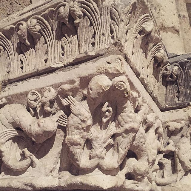 #monday #stone #inspiration #column #cloisters