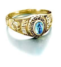 Woman's college ring