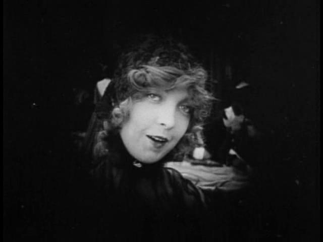 Close em Elsie Stoneman