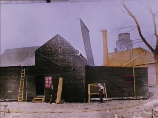 O estúdio Black Maria (imagem do filme Before the Nickelodeon , de Charles Musser)