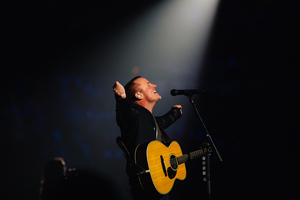 Chris Tomlin leads at Passion 2015