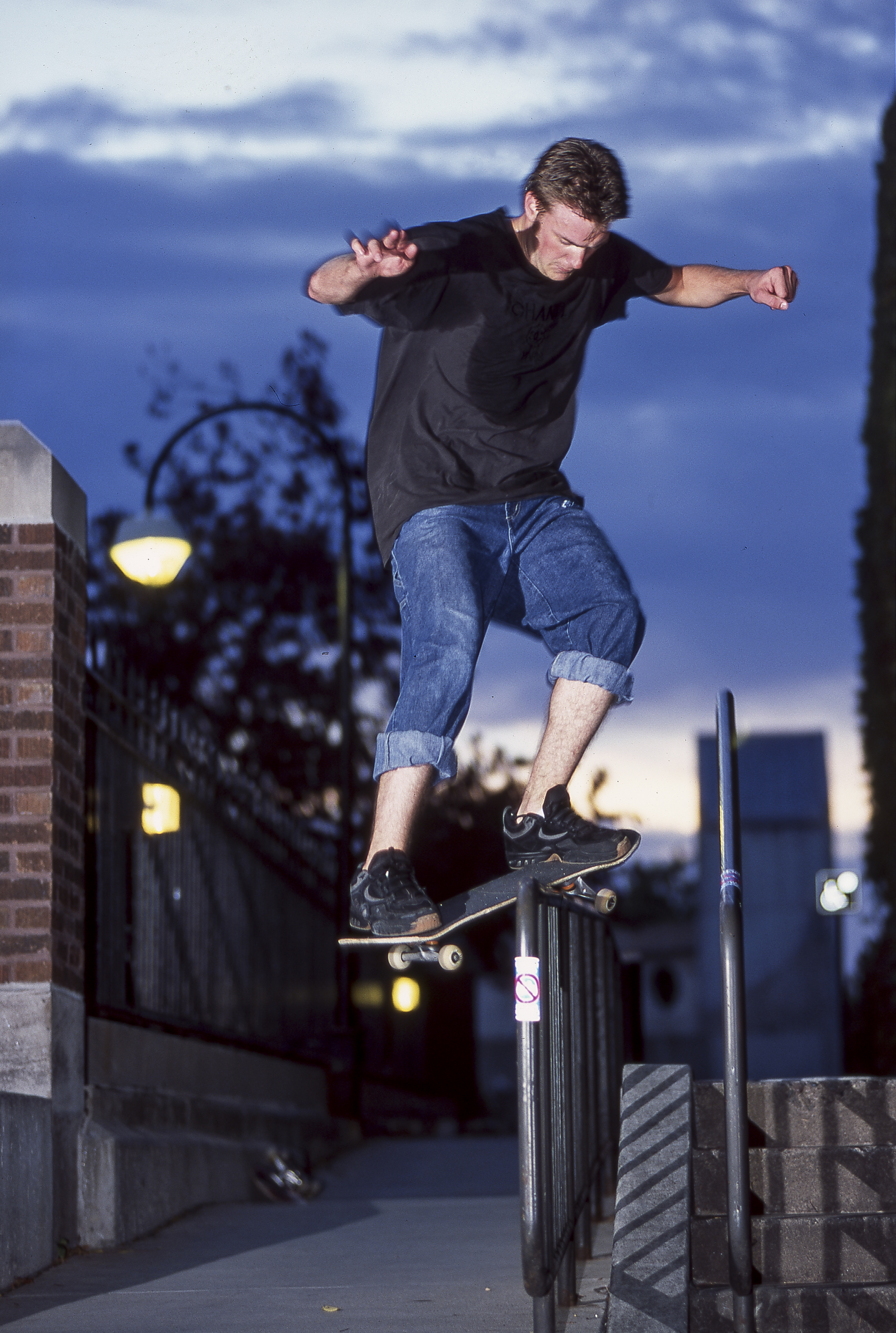 Ben Ragsdale with a feeble at  Ty Dicky Rail  when it was still a thread-the-needle situation.