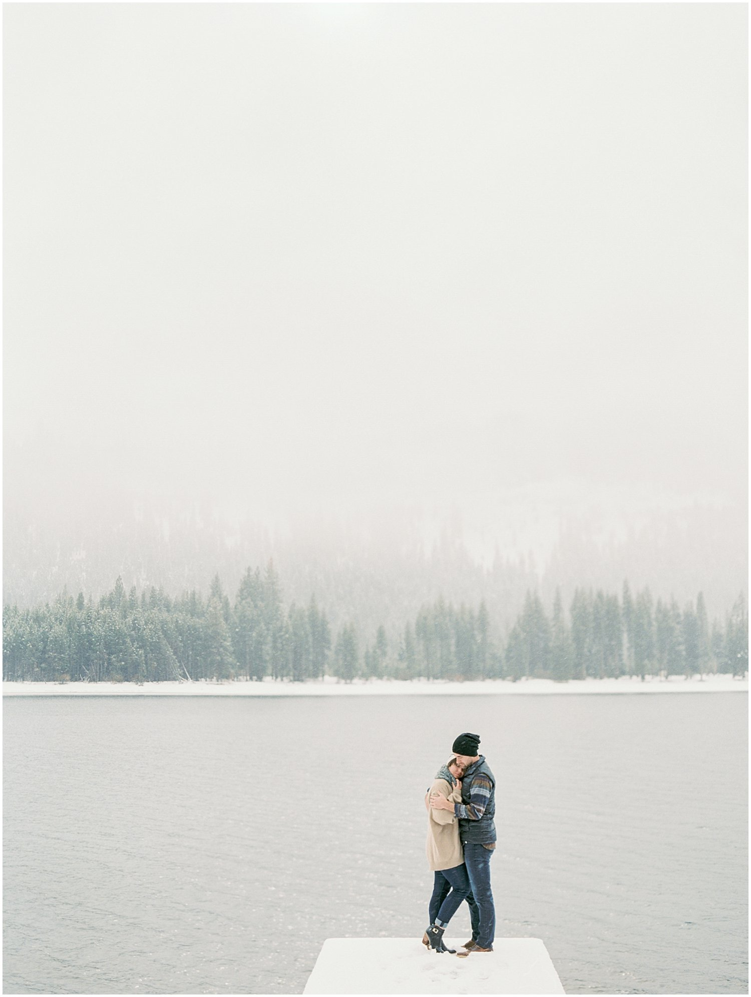 Lake_Tahoe_Engagement_Photography_12.jpg