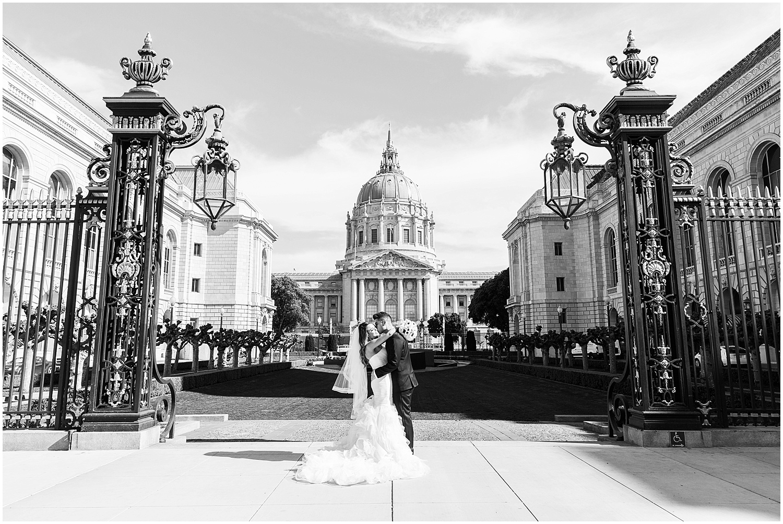 Best_SF_ctiy_hall_wedding_photographer-025.jpg