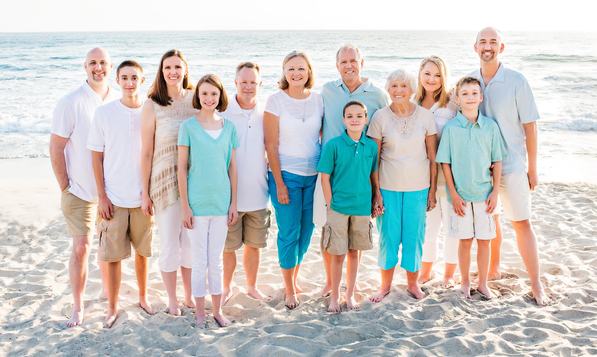 family_trip_california_beach