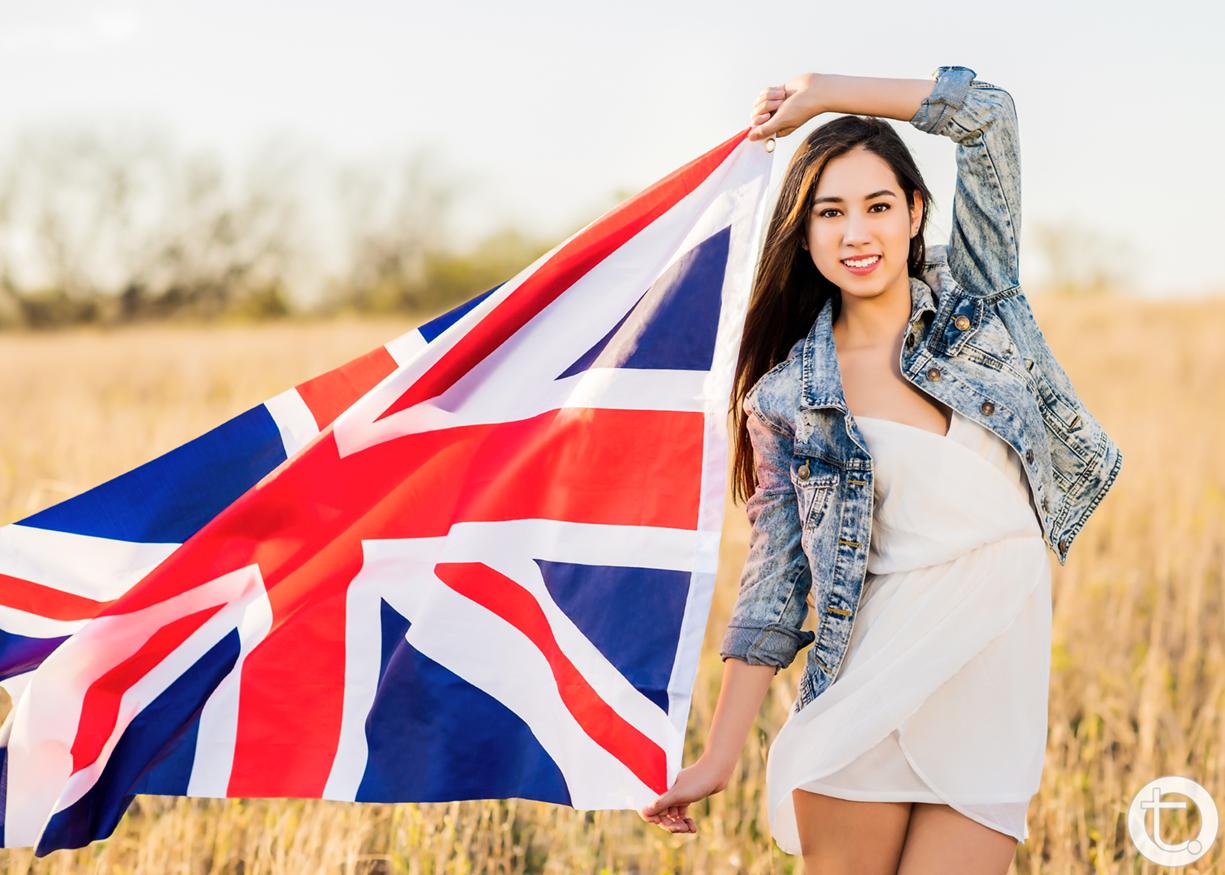 graduate_classof2015_senior_field_flag_london_hockaday_tracyallynphotography_dallas